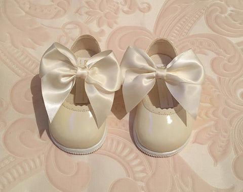 Ivory Bow Alessia Hard Sole Shoes