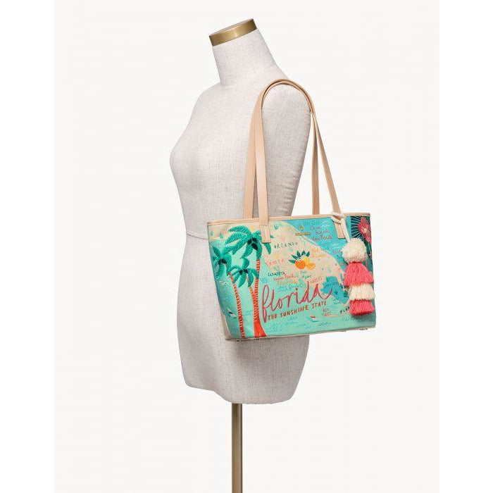 Spartina 449  FLORIDA EMBROIDERED FRINGE TOTE ON MANNEQUIN