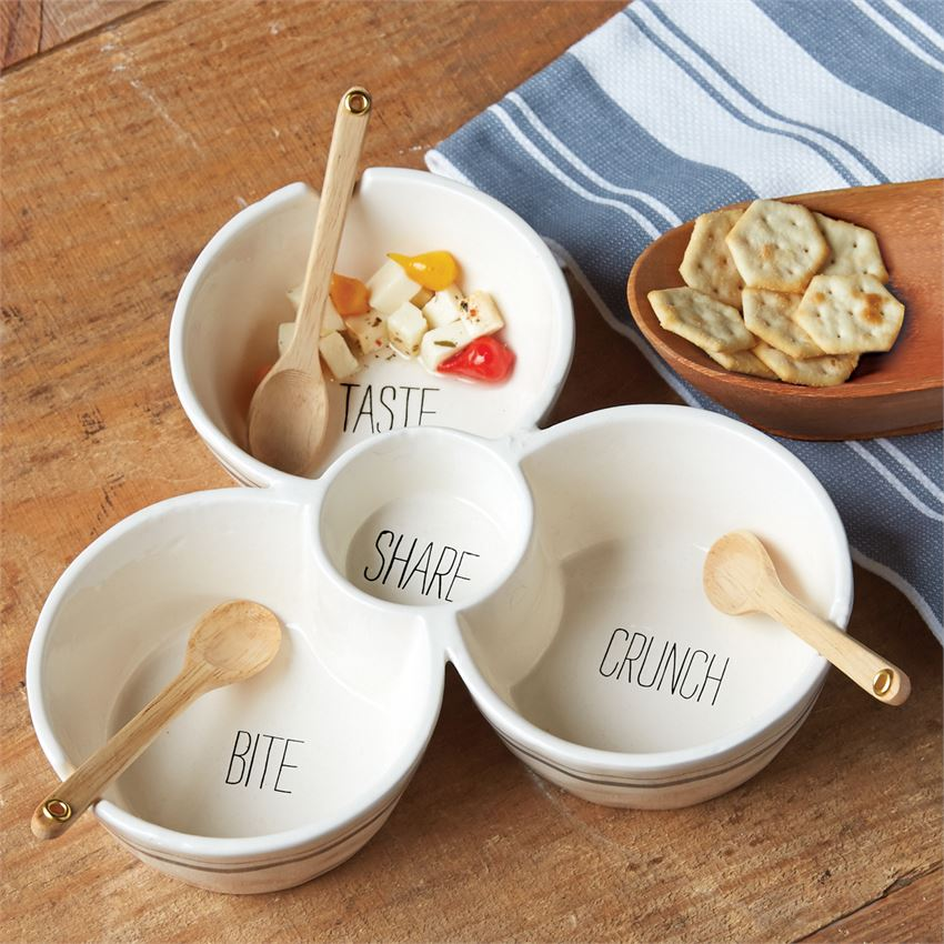 MUD PIE - BISTRO MULTI-DIP SET in use