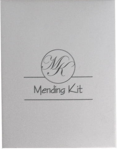 Matt white box with 1 color print 'sewing kit'