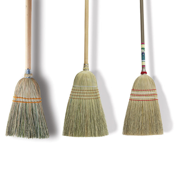 226001 - Maid's Sweep Broom, Corn