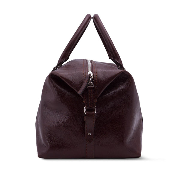 Elegant Leather Weekender Bag Made From Vegetable Tanned Leather. Sideway.
