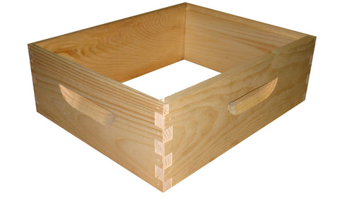 Box Medium Assembled Pine