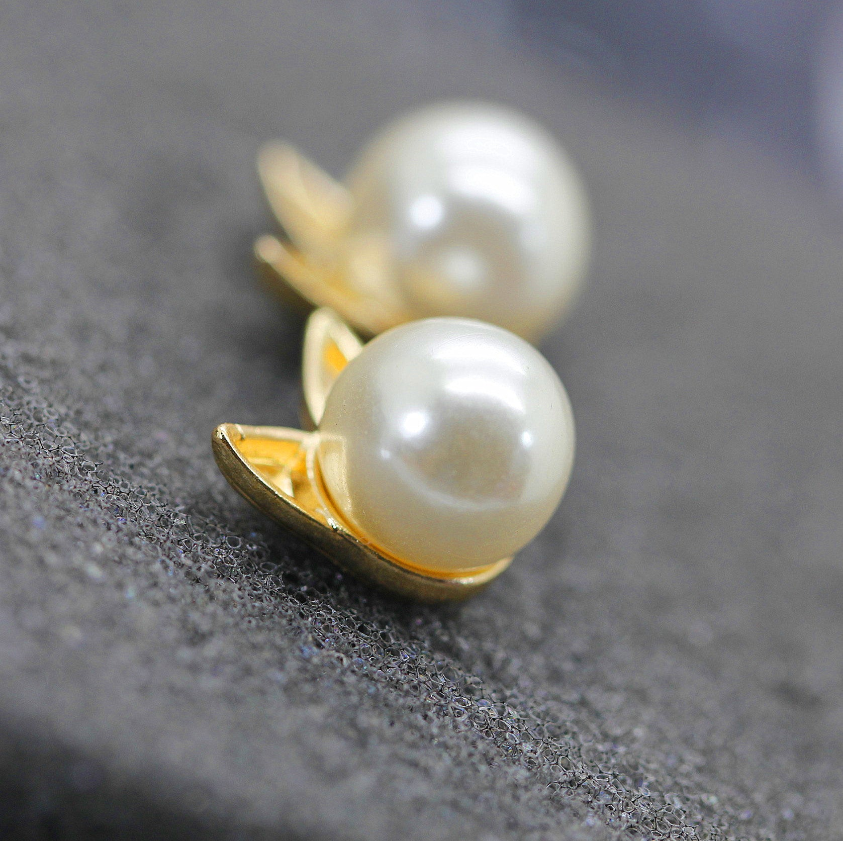 Gold and Pearl Mini Stud Cat Earrings - Thick 'N' Curvy Shop - 4