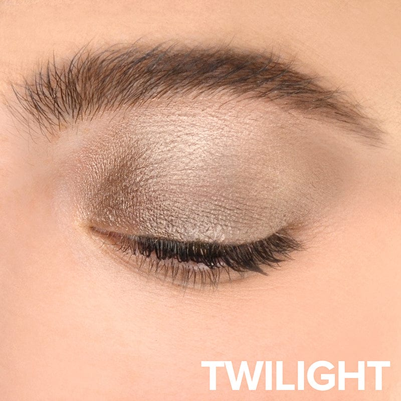 Twilight, Person wearing Magnetic Luminous Eye Color in Twilight