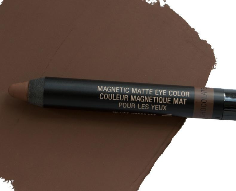 MAGNETIC MATTE EYE COLOR