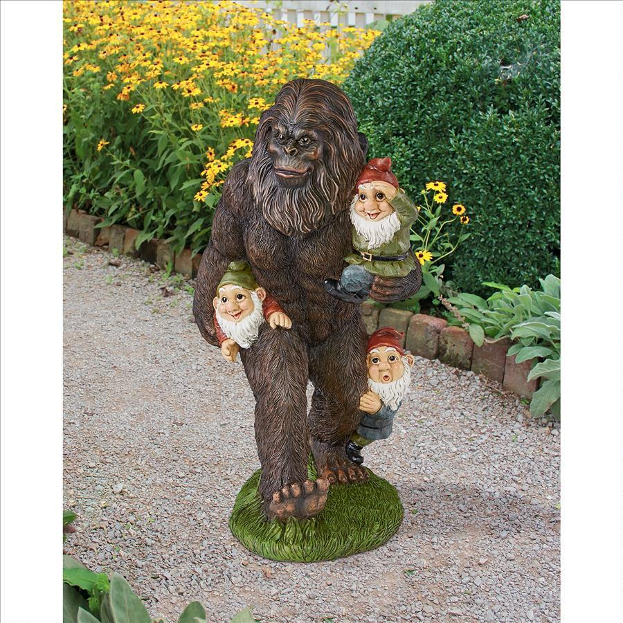 Gnome In Garden: Bigfoot Gnome Garden Statue (Hilarious)