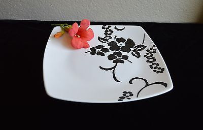 Fine China, Black and White Hawaiian Floral Cake Stand,Platter -  - 1