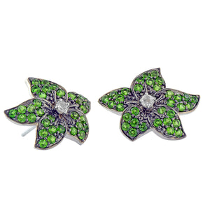 White gold flower earrings with green chrome diopside and white zircon