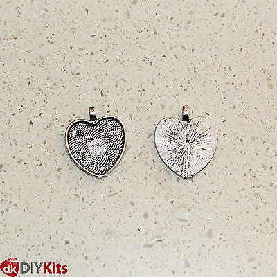 Glass heart cabochons with trays