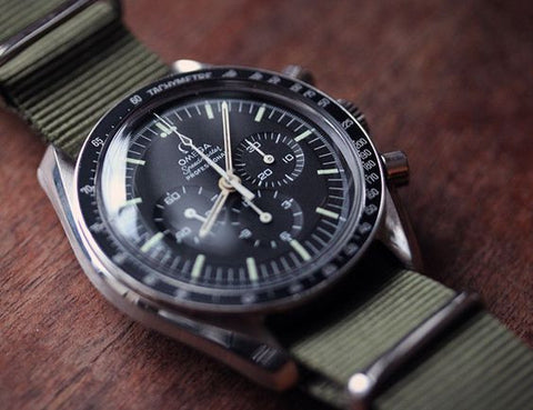 omega moon watch speedmaster  vintage watch