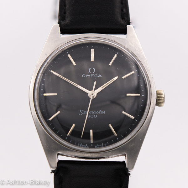 OMEGA STAINLESS STEEL WRIST WATCH
