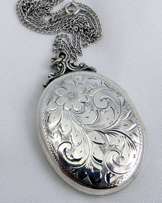 Sterling Silver oval locket Jewelry - Ashton-Blakey Vintage Watches