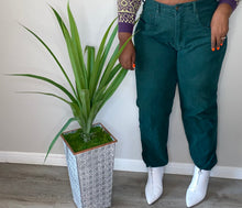 Load image into Gallery viewer, VINTAGE HIMALAYA MOM JEANS (42 waist 34 inseam)