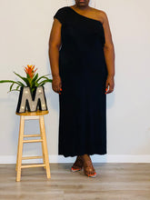 Load image into Gallery viewer, ALLEN SCHWARTZ BLACK PLEATED NECKLINE MAXI DRESS (XL-2X)