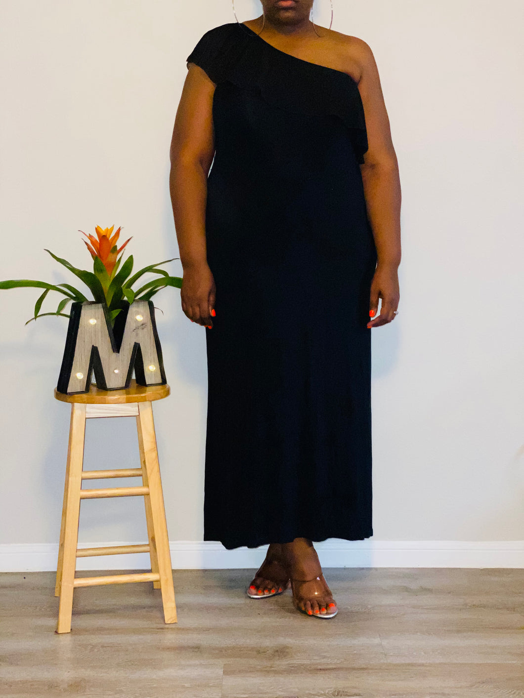 ALLEN SCHWARTZ BLACK PLEATED NECKLINE MAXI DRESS (XL-2X)