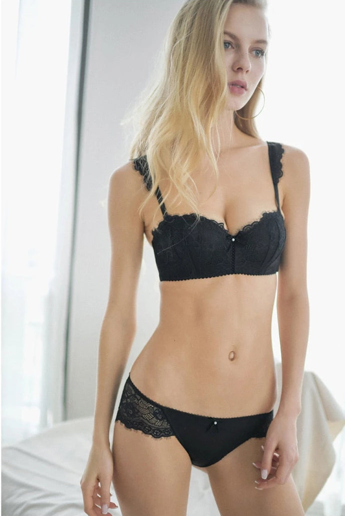 New Fashion Deep V Push Up Bra Lace Sexy Lingerie Set