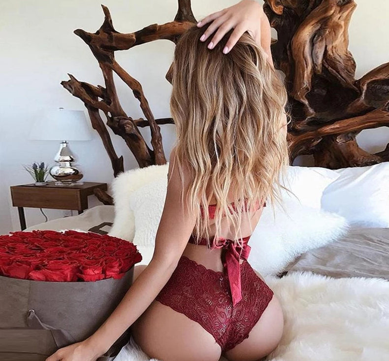 Red Luscious Sexy Lingerie Lace Brasserie Fashion Bow Set