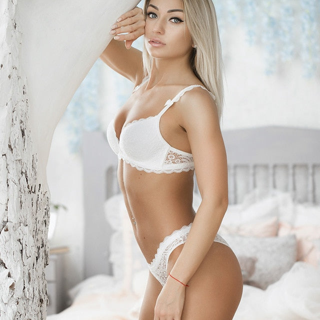 Brand NEW Sexy Intimates wire free Lace Comfortable Bra and panty Sets