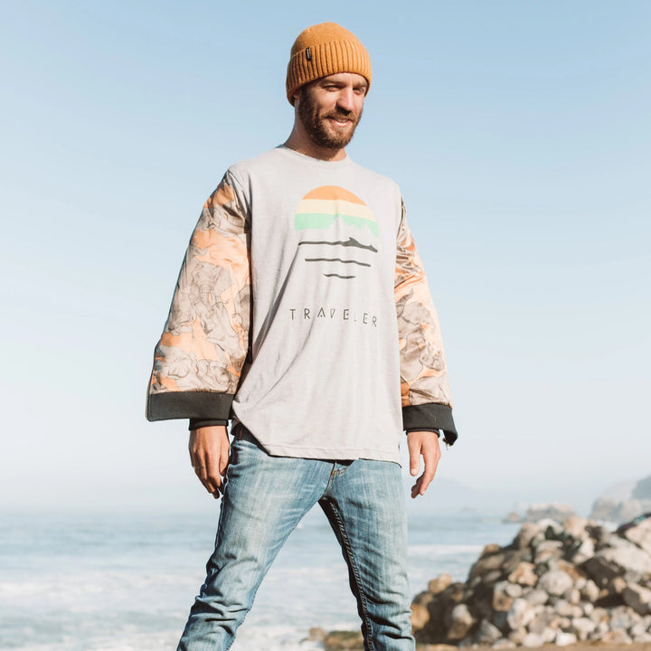 Traveler Logo Crewneck Tee - Heather Grey