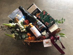 Petite Hamper with Sparkling Wine