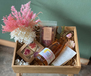 Dried Floral and 'Pamper Time' Hamper