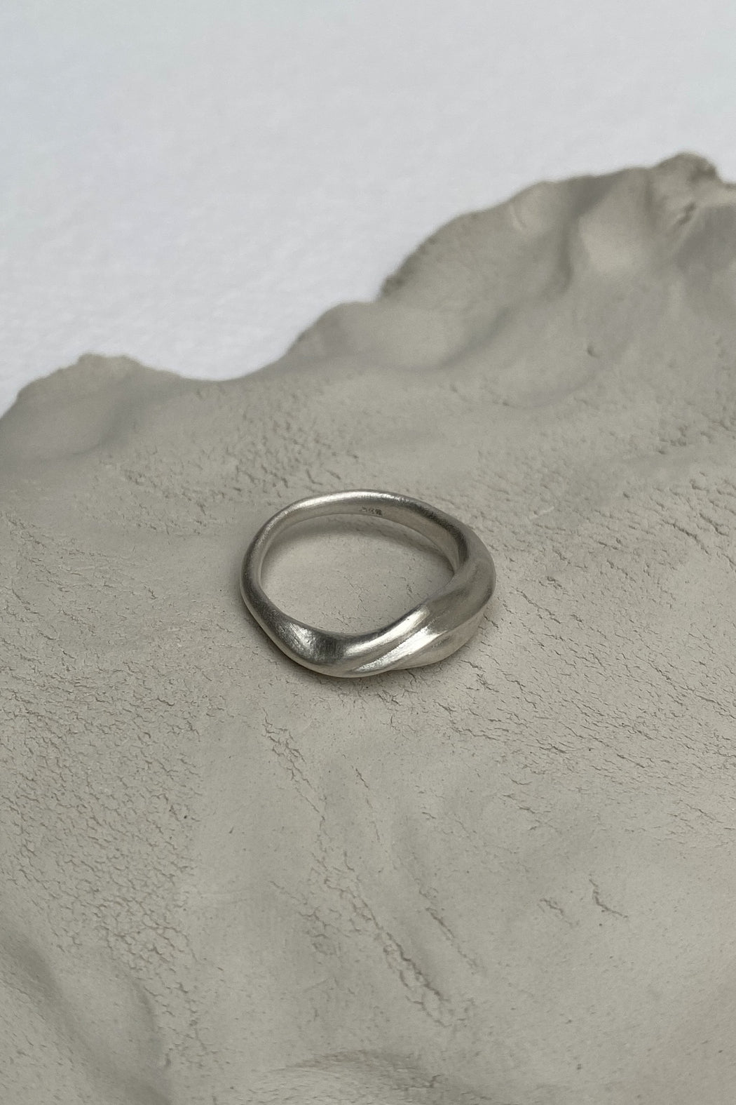 BAIUSHKI YERERA small ring