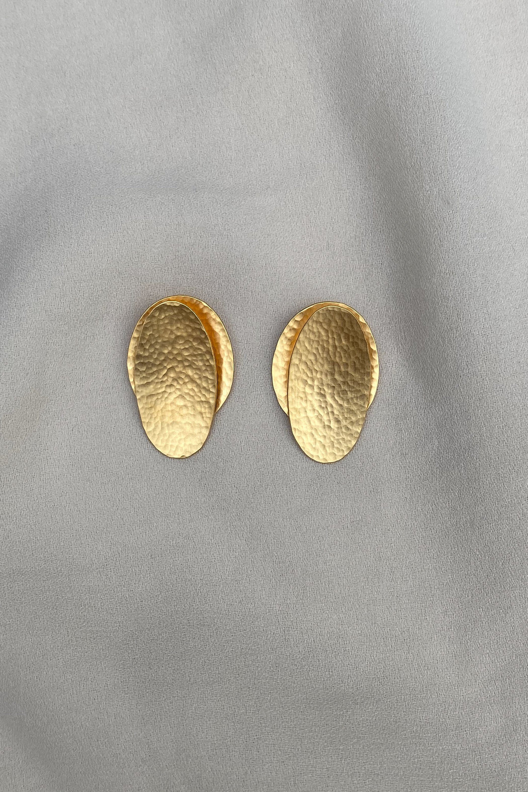 BAIUSHKI OVAL LEAF earrings