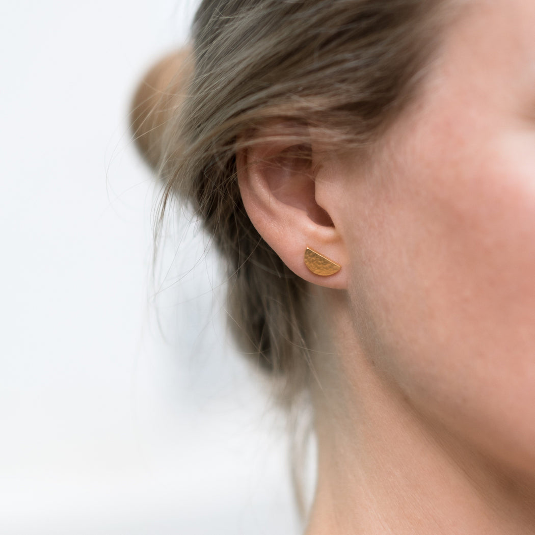 BAIUSHKI Moon earrings
