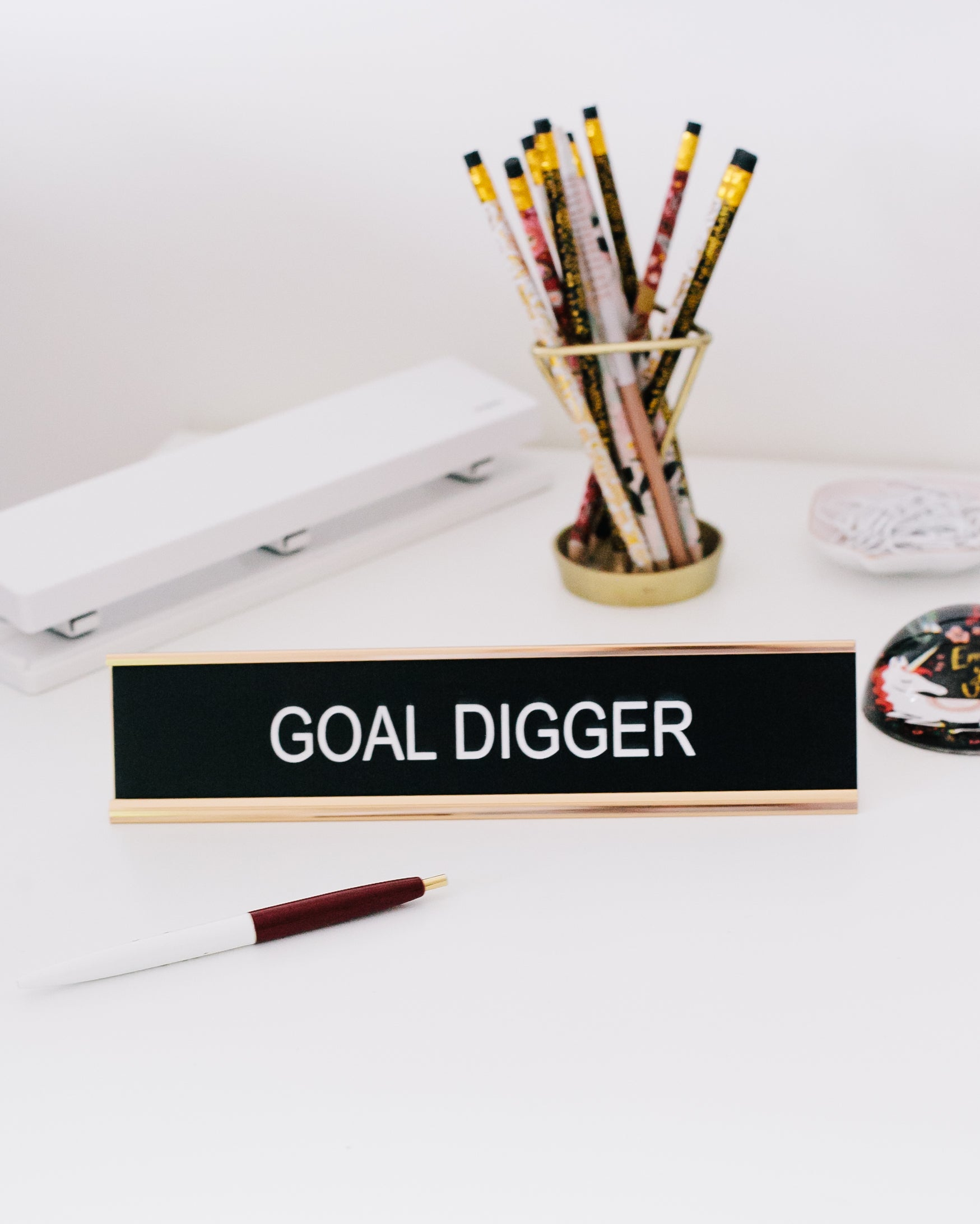 Goal Digger Desk Sign