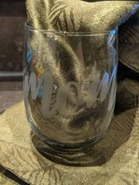 Hand Etched Wine Glass - Mom