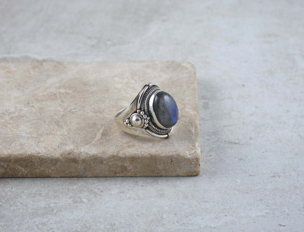 Decorated Silver Labradorite Ring