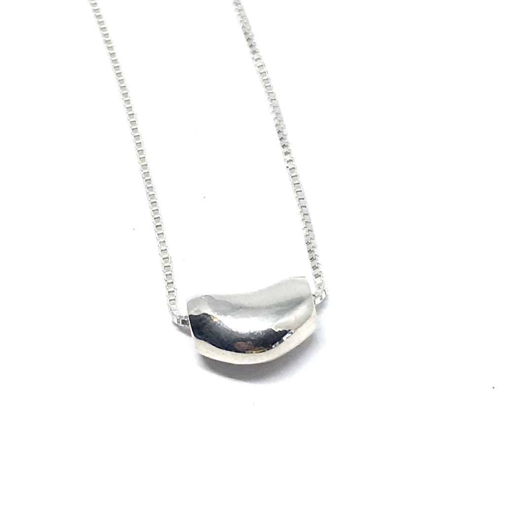 THE STERLING SILVER BEAN NECKLACE