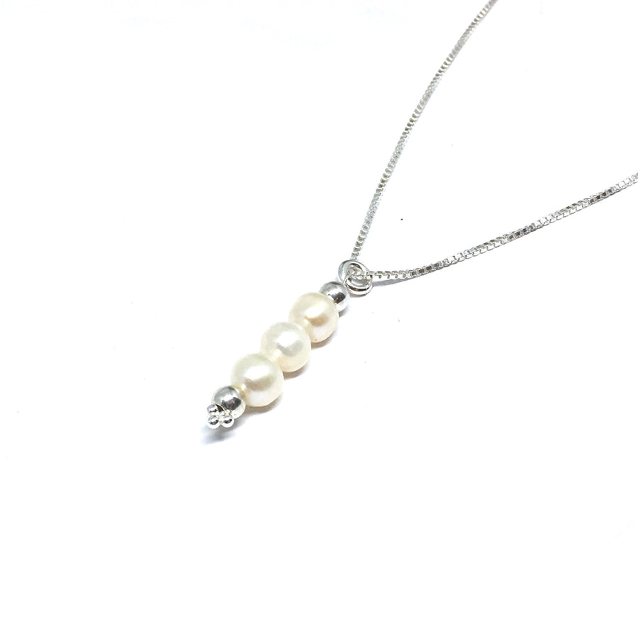 3 Peas in a Pod Necklace (Freshwater Pearl)