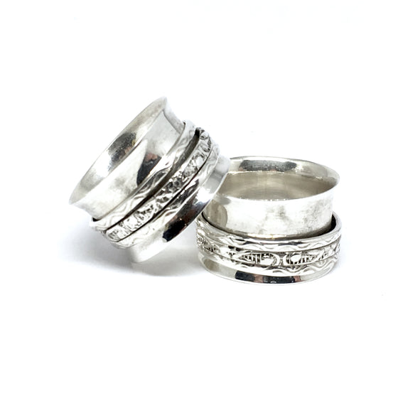 THE MOLLY STERLING SILVER MEDITATION / SPIN RING