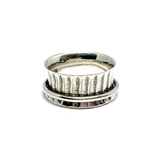 THE LESLEY STERLING SILVER SPIN RING