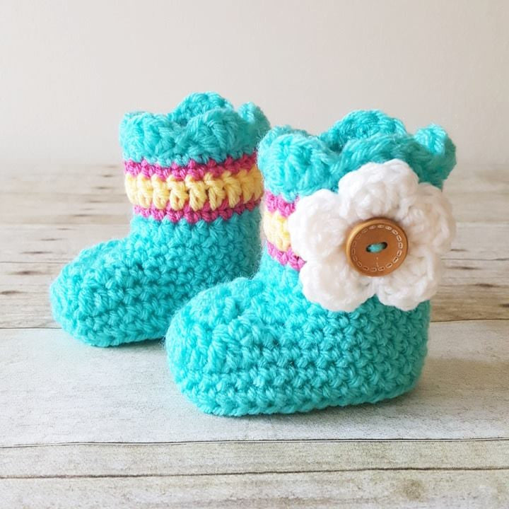 57265ff2d23a9 Crochet Baby Scalloped Flower Boots Booties Shoes Slippers Infant Handmade  Footwear Accessory Baby Shower Gift
