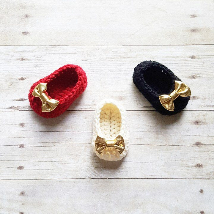 Crochet Baby Bow Christmas Shoes Booties Slippers Newborn Infant Handmade Baby Shower Gift Present - Red Lollipop Boutique