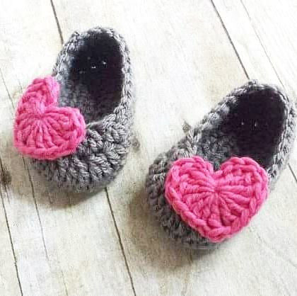 Crochet Baby Heart Shoes Slippers Booties Infant Newborn Baby Handmade Photography Photo Prop Baby Shower Gift Present Valentine's Day