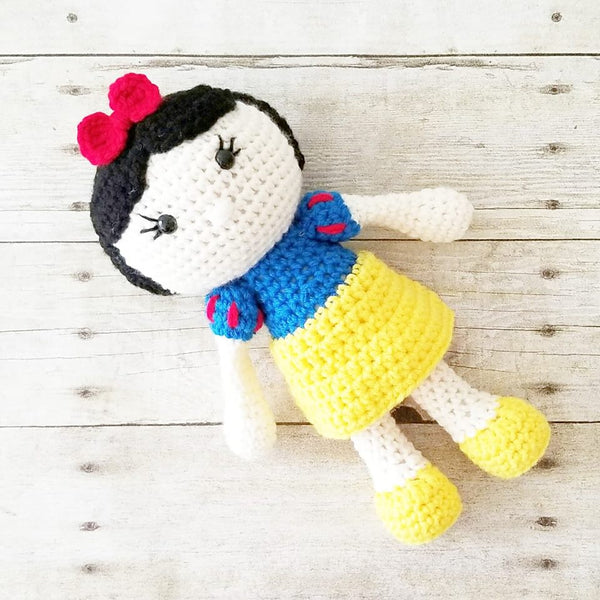 Crochet Snow White Doll Toy Baby Infant Toddler Girl Nursery Bedroom Decor Decoration Theme Photography Photo Prop