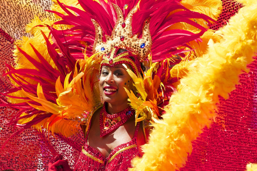 2017 Caribana: Creative Ways to Carry Your Phone!