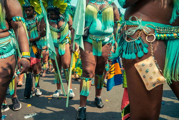 2017 Caribana: Creative Ways to Carry Your Phone! – Poche Posh