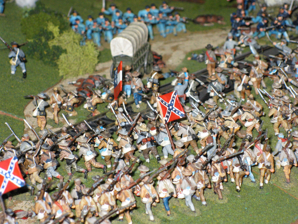 100 Figure Bulk Pack - C.S. Infantry (Ragged Rebels) - Advancing / marching / firing poses