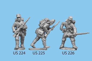 US-225 Berdan's Sharpshooters / Group three / Advancing / Rifle in both hands, crouched down