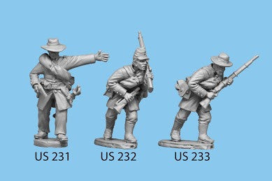 US-232 Berdan's Sharpshooters / Group four / Bugler holding rifle and pistol