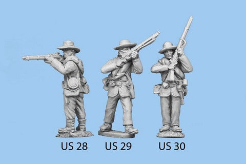 US-30 Union Infantry in Sack Coats / Blanket Roll / Standing and Rifle at High Port