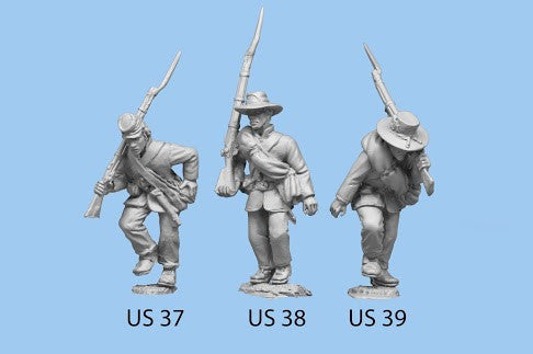 US-37 Union Infantry in Sack Coats / Backpack / Advancing / Rifle on Shoulder, other hand on canteen