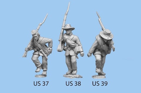 US-39 Union Infantry in Sack Coats / Blanket Roll / Advancing, bent over / Rifle on Shoulder