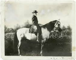 2 Mounted personalities - General Meade and Colonel Chamberlain