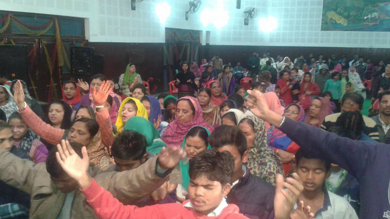 3 Indian Pastors Receive Holy Ghost after Water & Spirit
